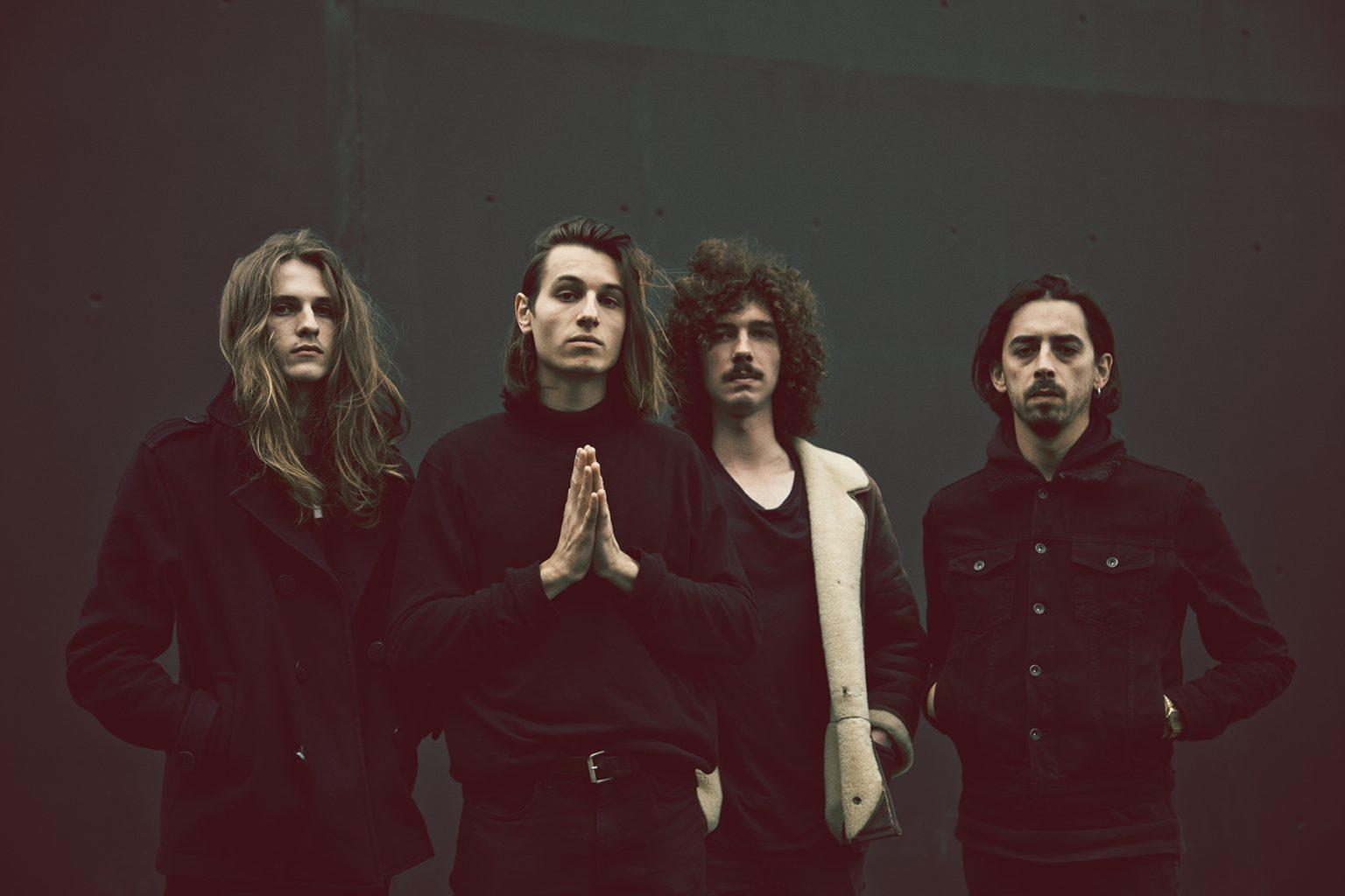 MNNQNS dévoile une version live de Come To Your Senses